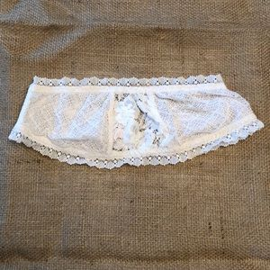 Victoria's Secret XS Ivory Strapless Lace Bra